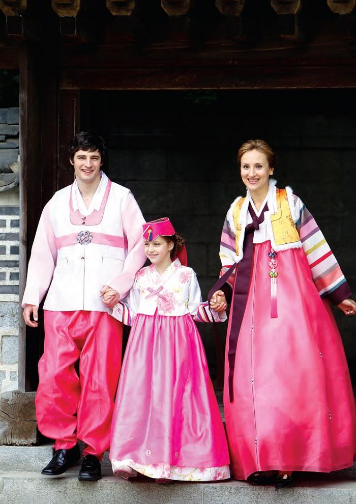 Homestaykorea What S On Korea About Korea Clothing And Fashion