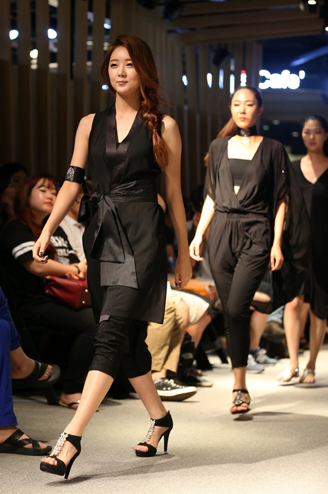 Dongdaemun_Fashion_Show_Article_01.jpg