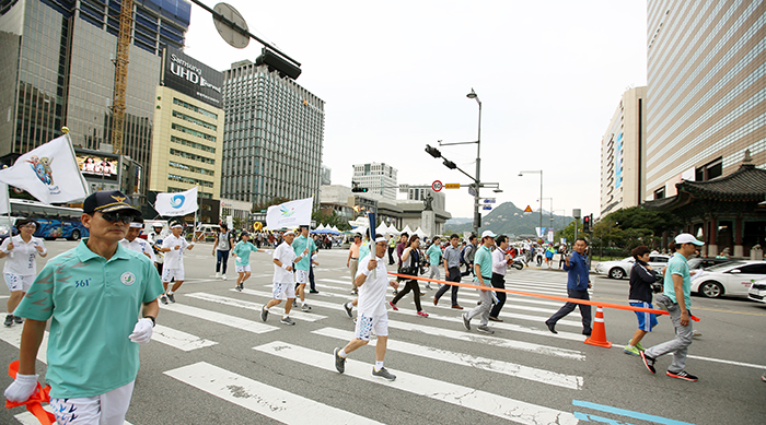 Incheon_AsianGaems_Torch_Relay_Seoul_Article_02.jpg