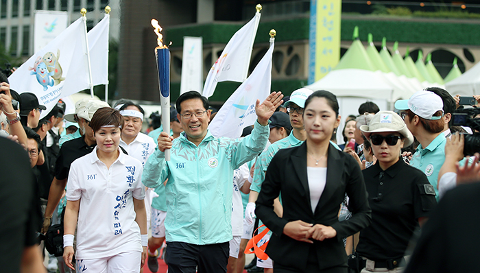 Incheon_AsianGaems_Torch_Relay_Seoul_Article_03.jpg
