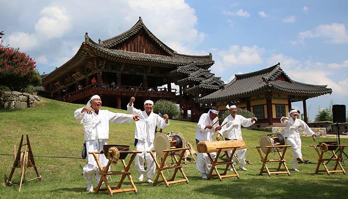 Myryang_Arirang_Festival_01.jpg